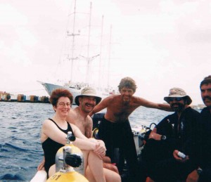 The motley dive crew - Debbie, Murray, Dive Master Polo, M and T