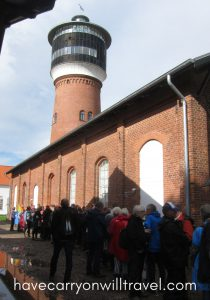Cue outside the Pumpehuset waiting for the next concert
